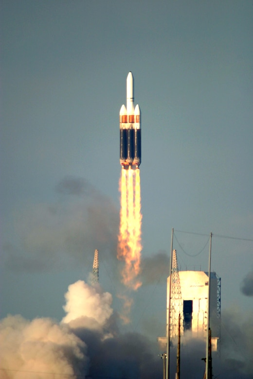 CAPE CANAVERAL AIR FORCE STATION, Fla. -- A Boeing Delta IV heavy launch vehicle lifted off from here on a demonstration mission for the Air Force's evolved expendable launch vehicle program.  The mission is to send the satellite into a geosynchronous Earth orbit.  (U.S. Air Force photo by Carleton Bailie)