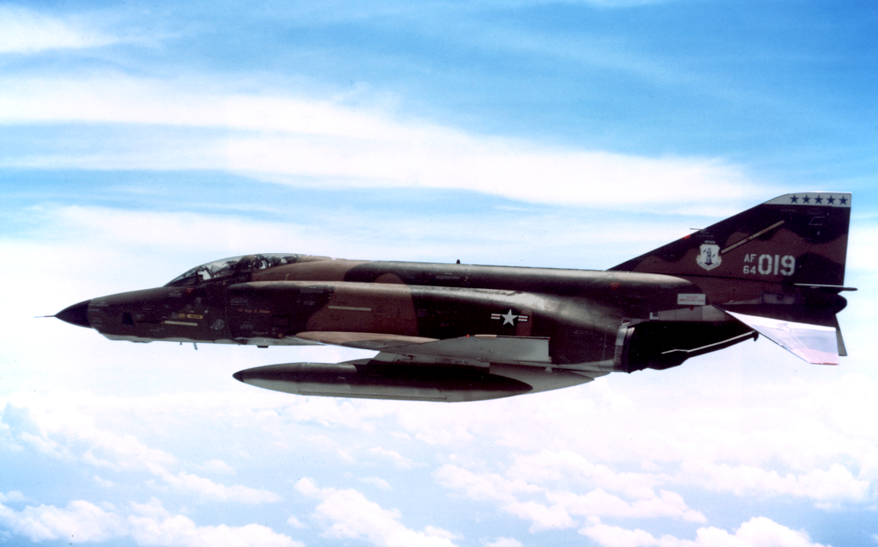 Photos 1960s left side view of an rf 4c phantom ii with auxiliary fuel publicscrutiny