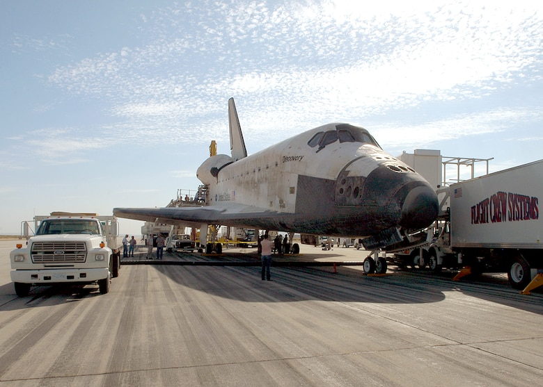 space shuttle landing at edwards air force base - photo #20