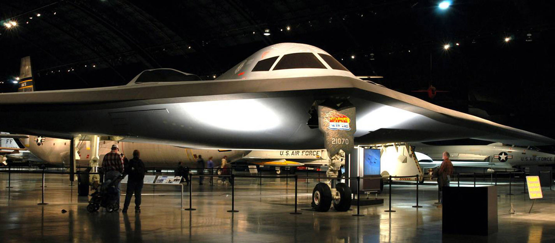 northrop b 2 spirit national museum of the us air force display. Black Bedroom Furniture Sets. Home Design Ideas