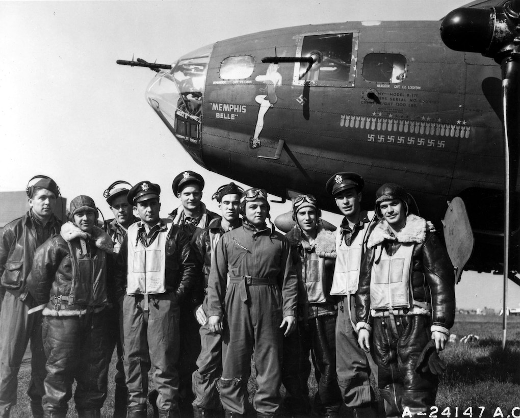 """The B-17 """"Memphis Belle""""™ and crew. (U.S. Air Force photo)"""