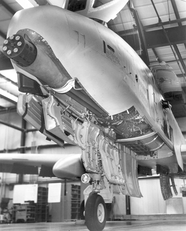 General Electric GAU-8/A installed, with access panels open. (U.S. Air Force photo)