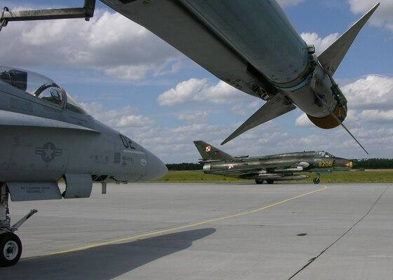 Marines take to the skies over Europe > Marine Corps ...