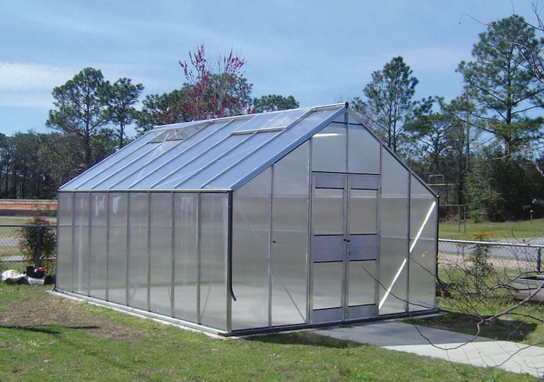 "VALPARAISO, Fla. -- The new greenhouse is part of the ""Garden Spot"" at an elementary school here.  Hurricane Ivan destroyed the school's greenhouse in September.  More than 15 Airmen from nearby Elgin Air Force Base and Duke Field helped build a replacement.  (U.S. Air Force photo by 2nd Lt. Kristen D. Duncan)"