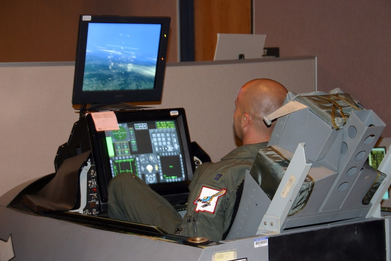 Exercise tests aircrews in virtual reality by linking ...