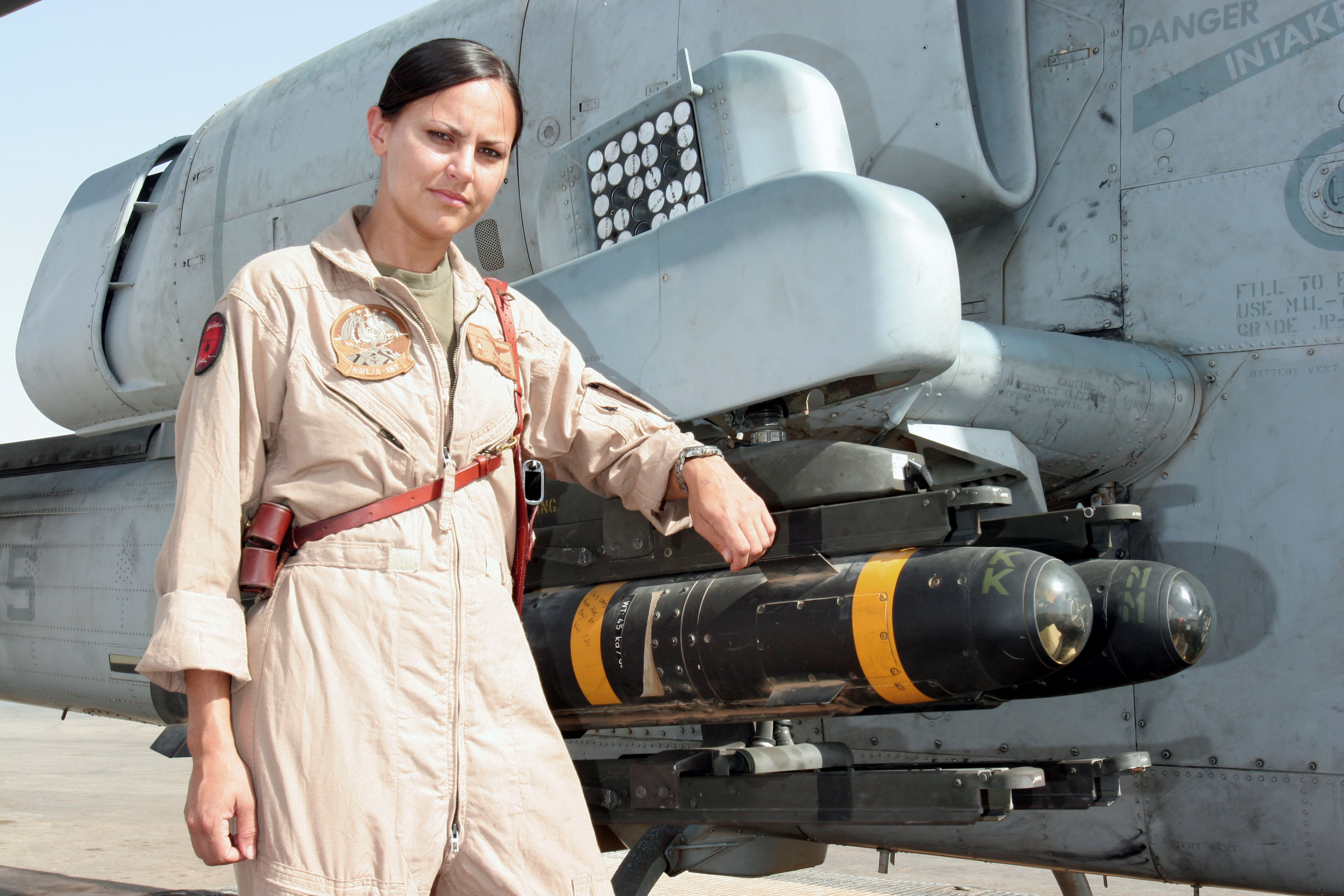 marine helicopter squadron one with California Paper Adds 2nd Maw Pilot To List Of 2005 Military Women Of Merit on Pak 20army 20images 20download further V 22 hmx 1 sim likewise Buffalo Native Serves As Huey Crew Chief In Iraq likewise Kennon Protects Interior Cabin For Hmx 1 U S Presidential Greenside Fleet additionally First Female Fly Marine One Relieved  mand.