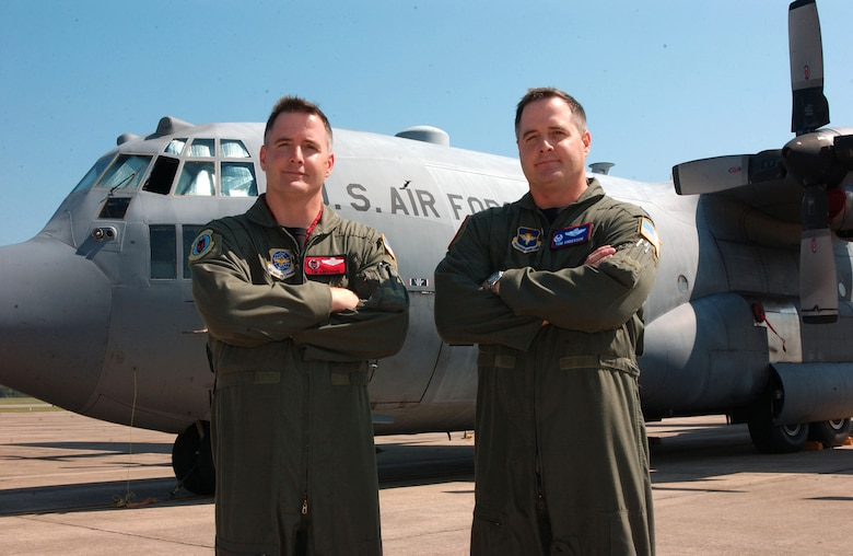 Lt. Col. Tim Anderson, left, 50th Airlift Squadron commander, and Lt. Col. Tom Anderson, 714th Training Squadron commander, are two of three active-duty Air Force brothers that are squadron commanders and lieutenant colonels at the same time. (U.S. Air Force photo by Senior Airman Eunique Stevens)