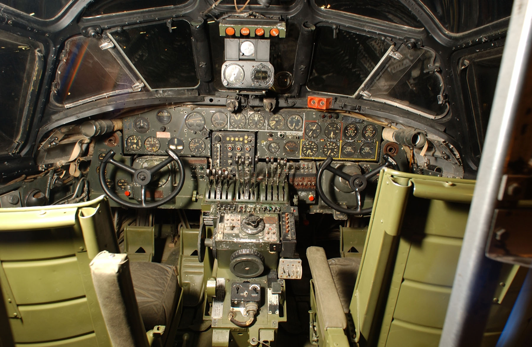 Consolidated b 24d liberator national museum of the us for Force interieur