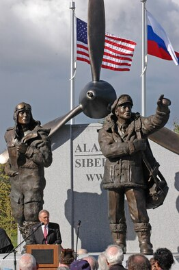 Defense Secretary Donald Rumsfeld speaks at the dedication of the Alaska-Siberia Lend-Lease Memorial in Fairbanks, Alaska, Aug. 27. (U.S. Air Force photo/Senior Airman Justin Weaver)