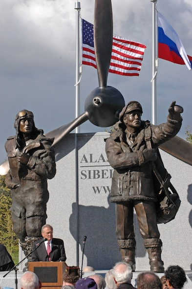 Defense Secretary Donald Rumsfeld speaks at the dedication of the Alaska-Siberia Lend-Lease Memorial in Fairbanks, Alaska, Aug. 27. (U.S. Air Force photo/Senior Airman Justin Weaver)