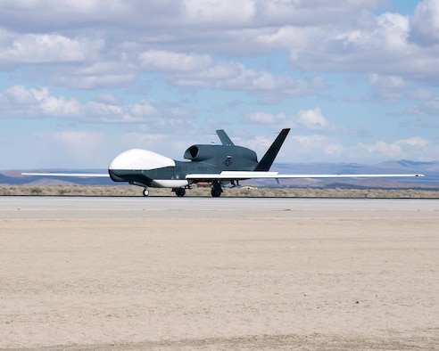 EDWARDS AIR FORCE BASE, Calif. — After supporting the Global War on Terror for three years, Global Hawk unmanned aerial vehicle number three (UAV-3) received its official homecoming Monday when its wheels touched down at 11:30 a.m. Pacific Time at Edwards Air Force Base, Calif. (Air Force photo by Chad Bellay)