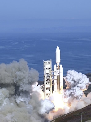 The final Titan IV launches from Space Launch Complex-4 on Vandenberg Wednesday morning carrying a national reconnaissance organization payload. (photo by Michael Moran)