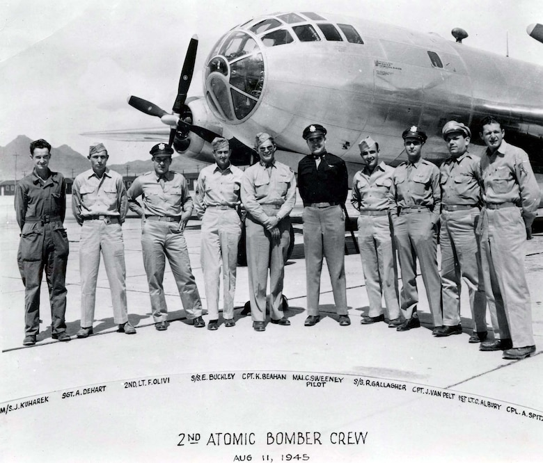 Boeing B-29 crew photo taken Aug. 11, 1945, two days after the Nagasaki mission. Note there is no nose art on the aircraft. (U.S. Air Force photo)