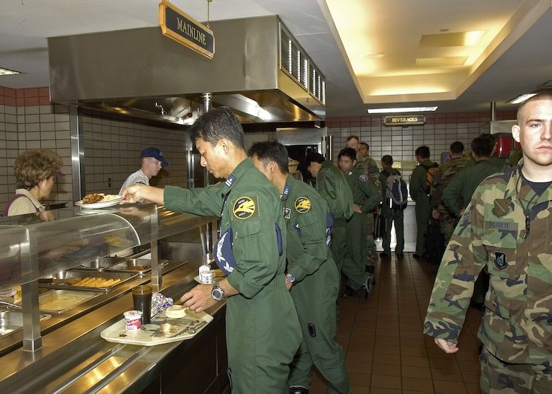 EIELSON AIR FORCE BASE, Alaska - The lineup at the Two Seasons dining hall for lunch. The dining hall has gotten quite busy during Excersise Co-operative Cope Thunder 06-3 (CCT06-3). Photo by Cpl J.A. Wilson, CCT06-3, Canadian Public Affairs