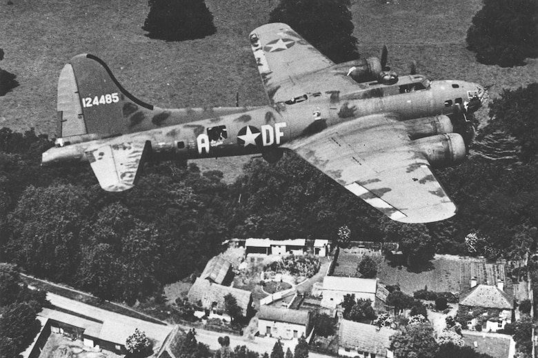 "Boeing B-17F-10-BO ""Memphis Belle"" in flight. (U.S. Air Force photo)"