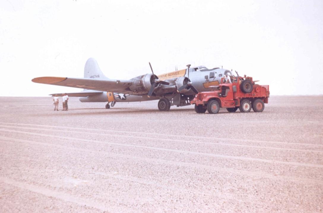 Boeing SB-17G-105-VE (S/N 44-85746) in the Rub Al Khali desert, Saudi Arabia, in 1950. (Courtesy of Lt. Col. (Ret.) Ted Morris)