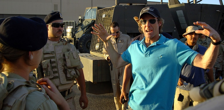 """Movie director Michael Bay instructs Airmen filling the roles of extras on the set of the movie """"Transformers"""" at Holloman Air Force Base, N.M., on Tuesday, May 30, 2006. The movie is scheduled for release in June 2007. (U.S. Air Force photo/Tech. Sgt. Larry A. Simmons)"""