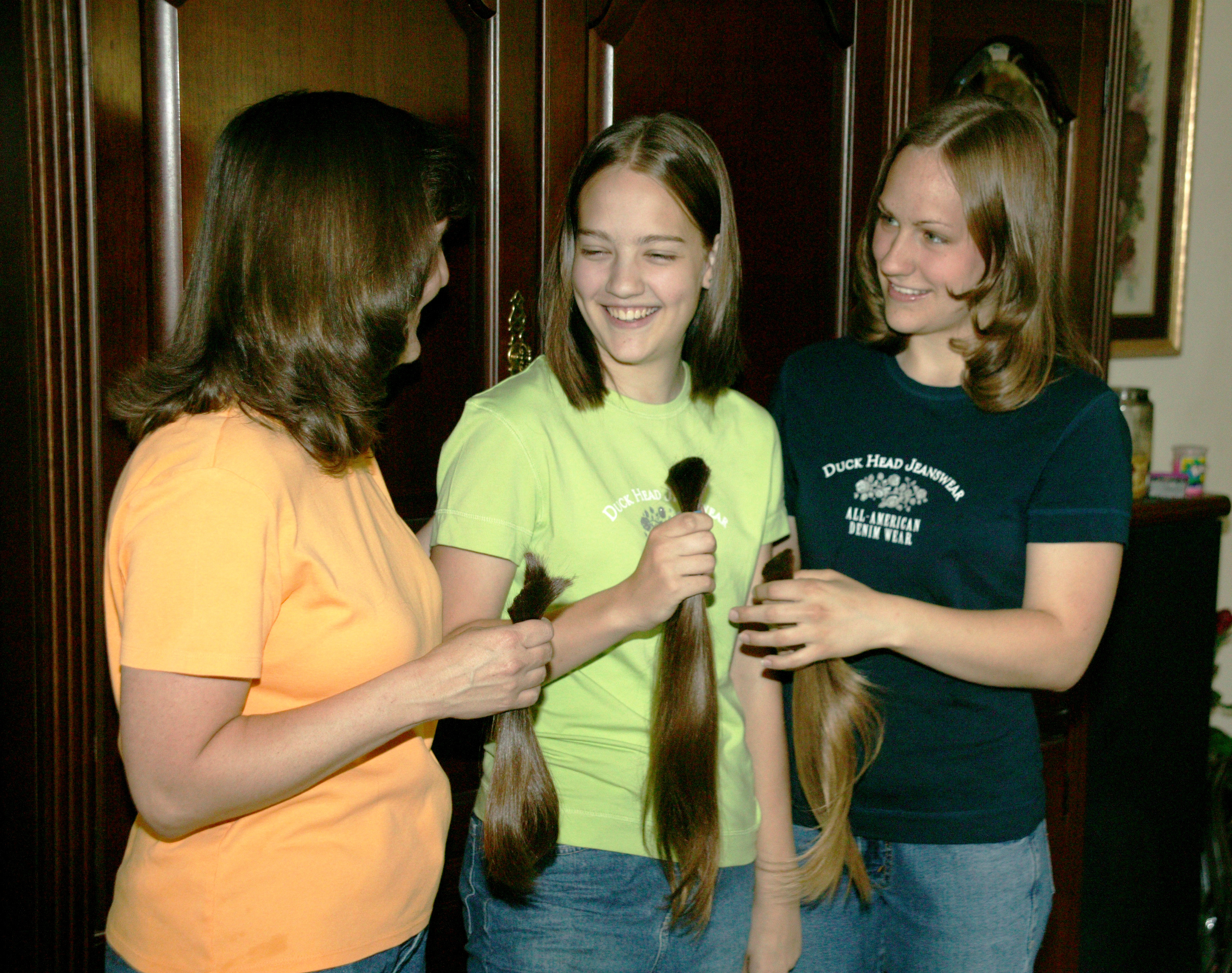 Mother Daughters Share Locks Of Love U S Air Force