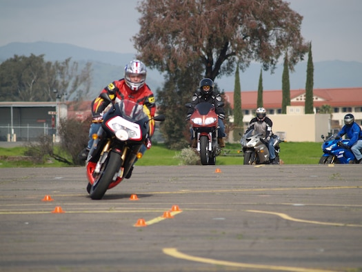 Tech. Sgt. Sean O'Leary, 9th Air Refueling Squadron, leads the pack around a curve during the sports bike safety class. (Photo by Staff Sgt. William Weber / 60th AMW Safety)
