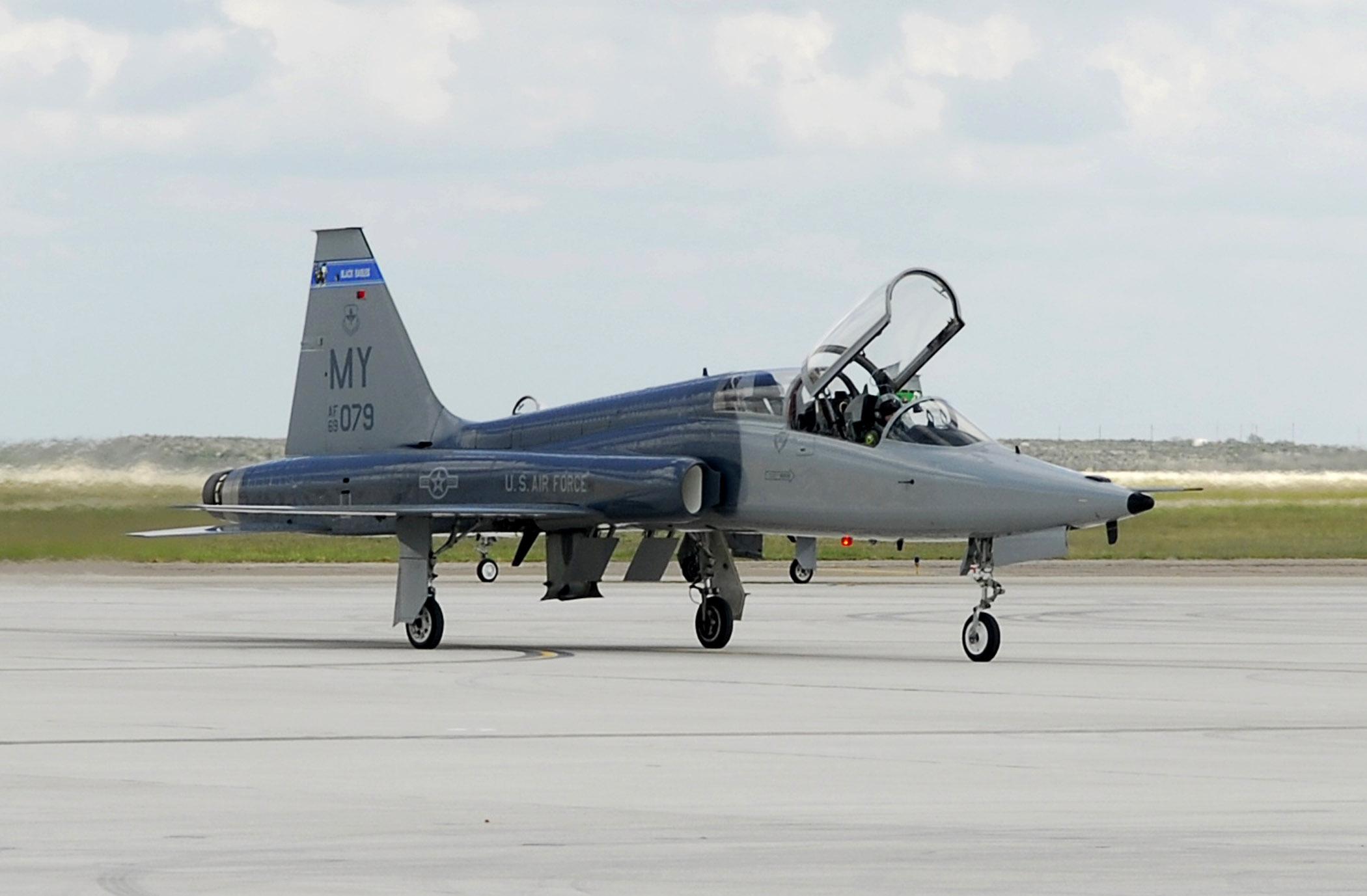 T-38 Talon Laughlin AFB, Del Rio, TX | T-38 Talon from Laugh… | Flickr