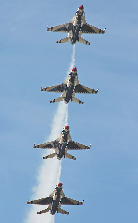 The United States Air Force Thunderbirds perform for thousands of fans during the Wings over Wayne Airshow, Seymour Johnson Air Force Base, North Carolina, October 15, 2006. (U.S. Air Force photo by Airman 1st Class Greg Biondo)