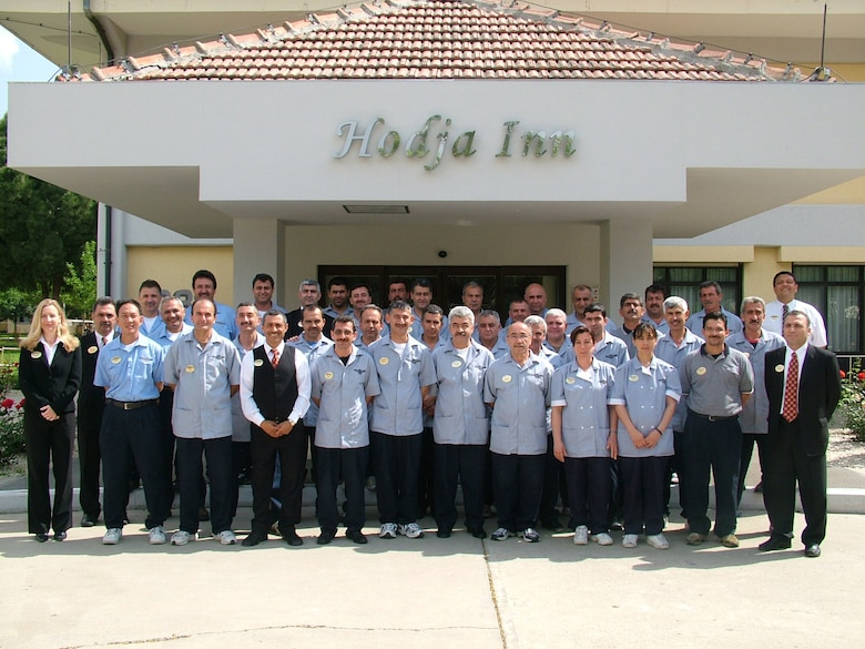 THe Hodja Inn tean stand outside of their facility at Incirlik Air Base, Turkey. The Hodja Inn were the winners of the 2006 Innkeeper Award. (Courtesy photo)