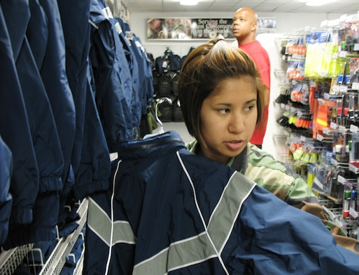 PT Gear In High Demand At Clothing Sales Stores > U.S. Air