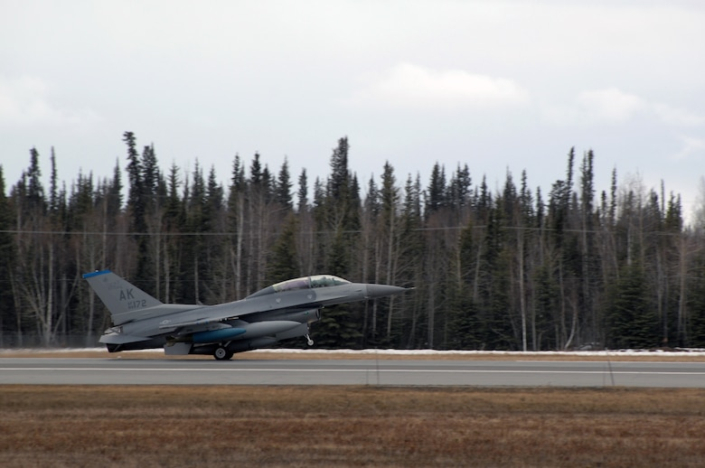 EIELSON AIR FORCE BASE, Alaska -- An F-16D Fighting Falcon from the 18th Fighter Squadron, Eielson Air Force Base, Alaska lands after a mission during Red Flag-Alaska 07-1. Red Flag-Alaska is a Pacific Air Forces-directed field training exercise for U.S. forces flown under simulated air combat conditions. It is conducted on the Pacific Alaskan Range Complex with air operations flown out of Eielson and Elmendorf Air Force Bases. 