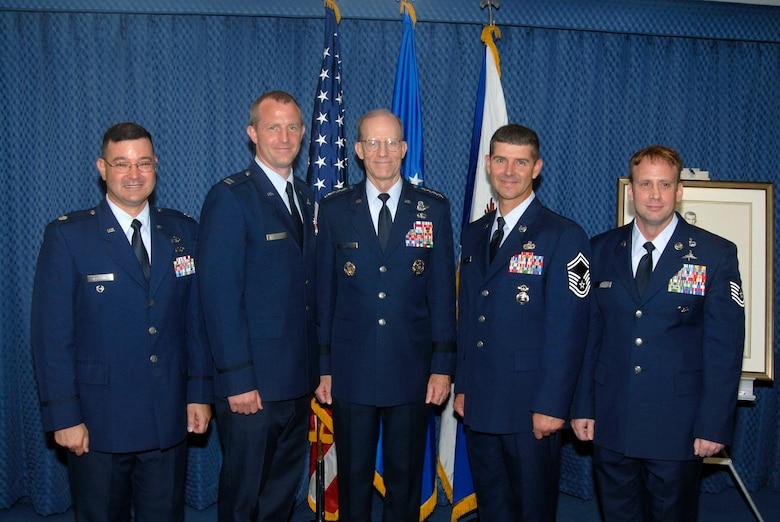 Airmen receive Sijan Air Force leadership award > U S  Air Force
