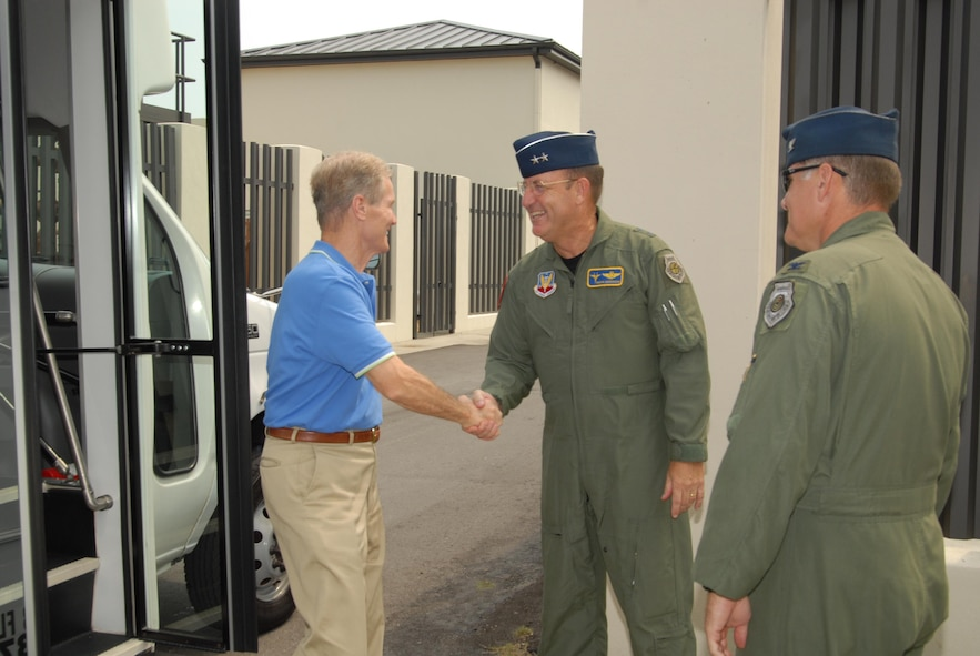 Democratic Florida Senator Bill Nelson is greeted at the 601st Air and Space Operations Center by Maj. Gen. Hank Morrow, 1st Air Force Commander and Col. David Kriner, 601st AOC Commander.  The senator toured Tyndall AFB, August 9, 2007, as part of a Florida panhandle tour.  (USAF photo/Lisa Norman)