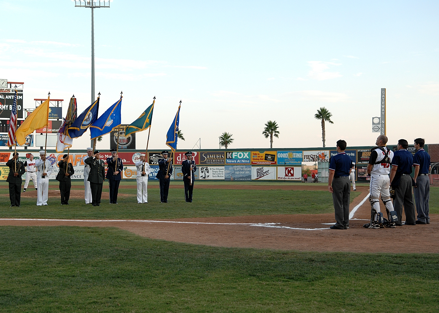 El Paso Diablos host military appreciation > Holloman Air