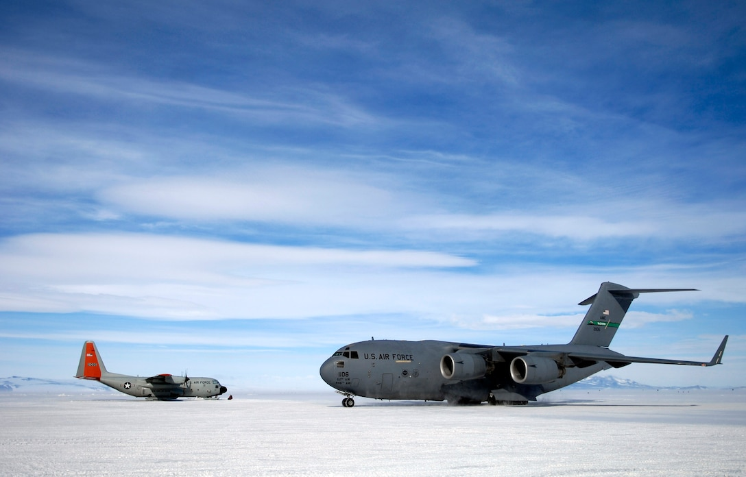 A C-17 Globemaster III taxis to its parking spot Nov. 27 on the ice runway at McMurdo Station, Antarctica, during Operation Deep Freeze. C-17s fly large cargo loads from Christchurch New Zealand to Antarctica while the LC-130 Hercules, stationed at McMurdo, fly smaller cargo loads to research posts throughout the continent. The C-17s from McChord Air Force Base, Wash., and ski-equipped LC-130s from the New York Air National Guard's 109th Airlift Wing are supporting the 13th Air Force-led Joint Task Force Support Forces Antarctica operation. (U.S. Air Force photo/Tech. Sgt. Shane A. Cuomo)