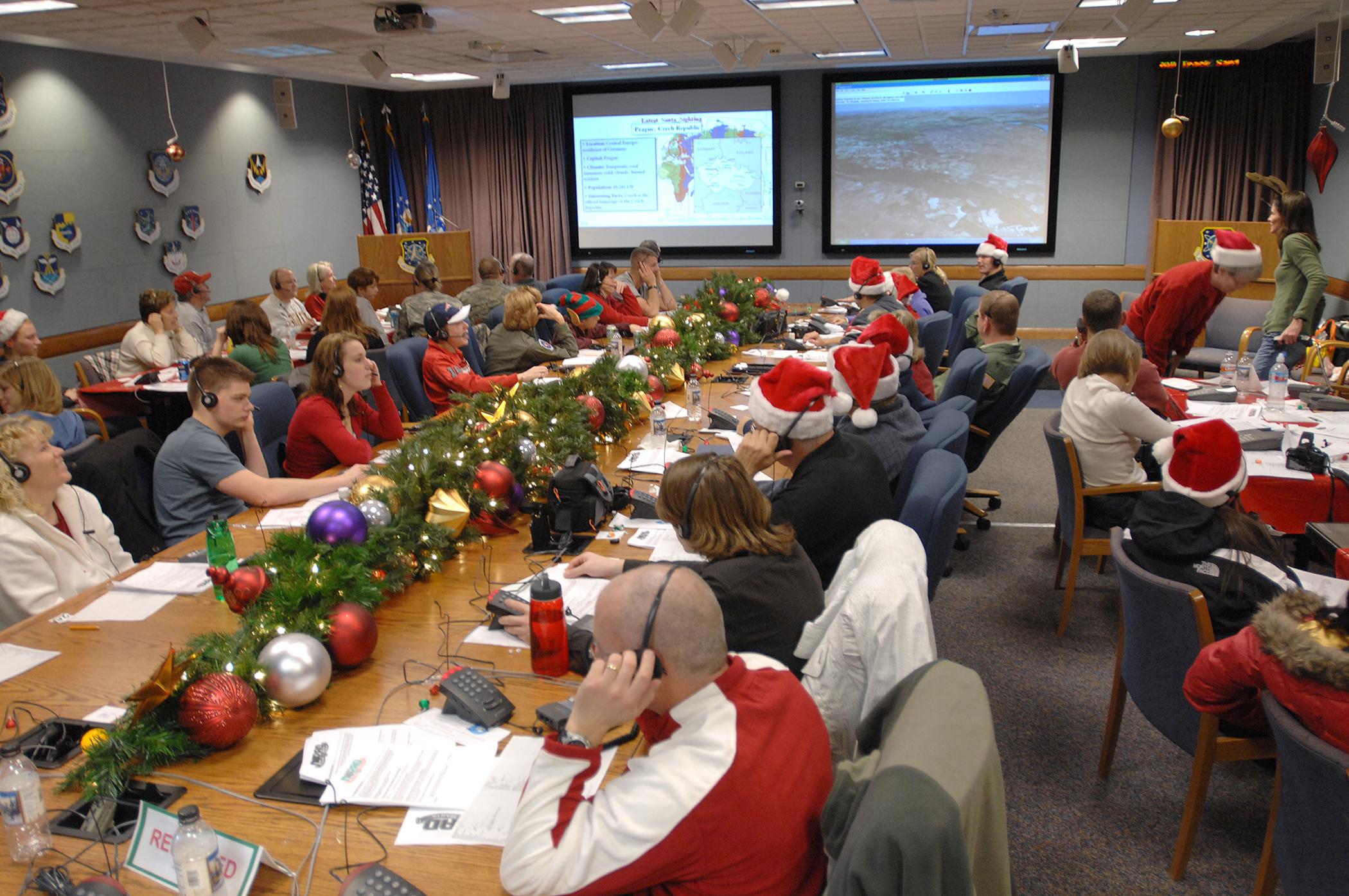 NORAD thanks 2007 Santa trackers > Peterson Air Force Base > News of ...