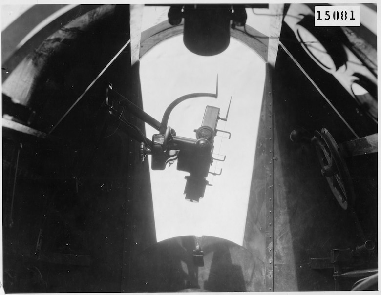 An Estoppey D-1 installed in a Martin MB-2 bomber. This photograph shows the sight adjusted to compensate for wind drift. (U.S. Air Force photo)