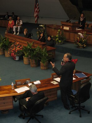 HONOLULU, Hawaii -- Senator Fred Hemmings, 25th Senatorial District, addresses other Hawaii State senators at the capitol building, February 1, 2007.  Hawaii leaders recognized Admiral William Fallon and his wife Mary for their contributions to Hawaii's military community and to the people throughout the Pacific during his time as commander of the Pacific Command.  Pending Senate confirmation, he could be leaving the island soon to take charge of Central Command who oversees the wars in the Middle East.