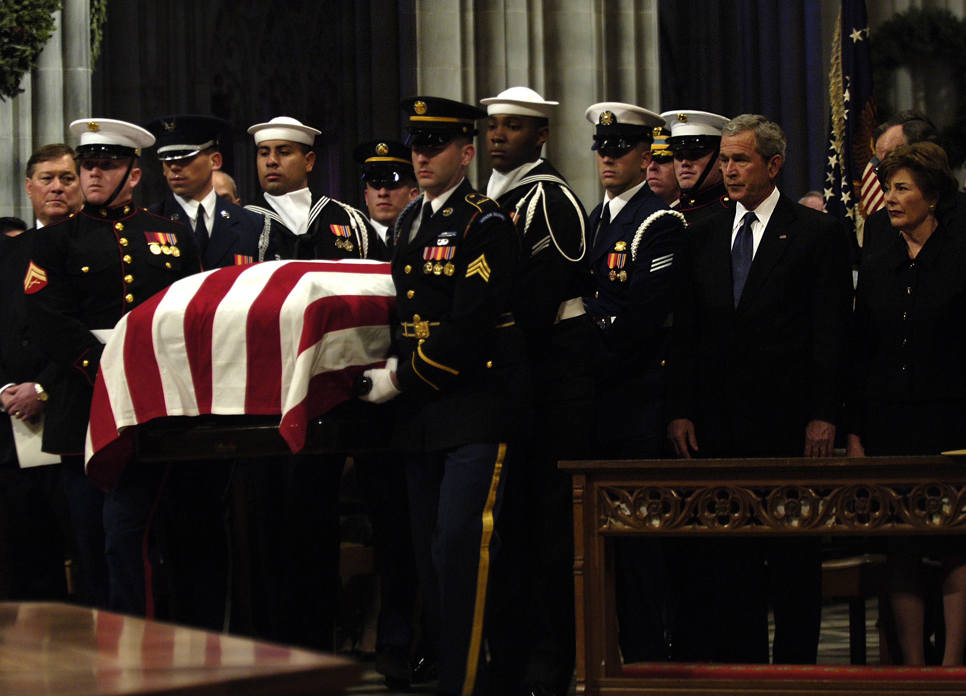 u s department of > photos > photo essays > essay view hi res photo gallery middot president bush delivers a eulogy during