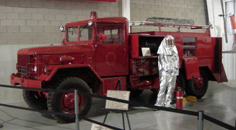 Kaiser Jeep Model 530 6X6 Firetruck