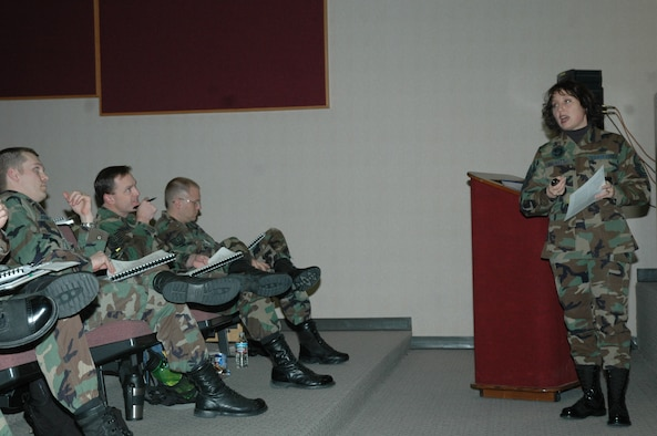 Master Sgt. Geri Dreibelbis, an instructor from the U.S. Air Force First Sergeant Academy, instructs a diverse group of non-commissioned officers, senior non-commissioned officers and company garde officers during the First Sergeant seminar held here. The seminar is a one week course comprised of the same subjects taught at the first sergeant academy. (U.S. Air Force photo/Tech. Sgt. Steven Wilson)
