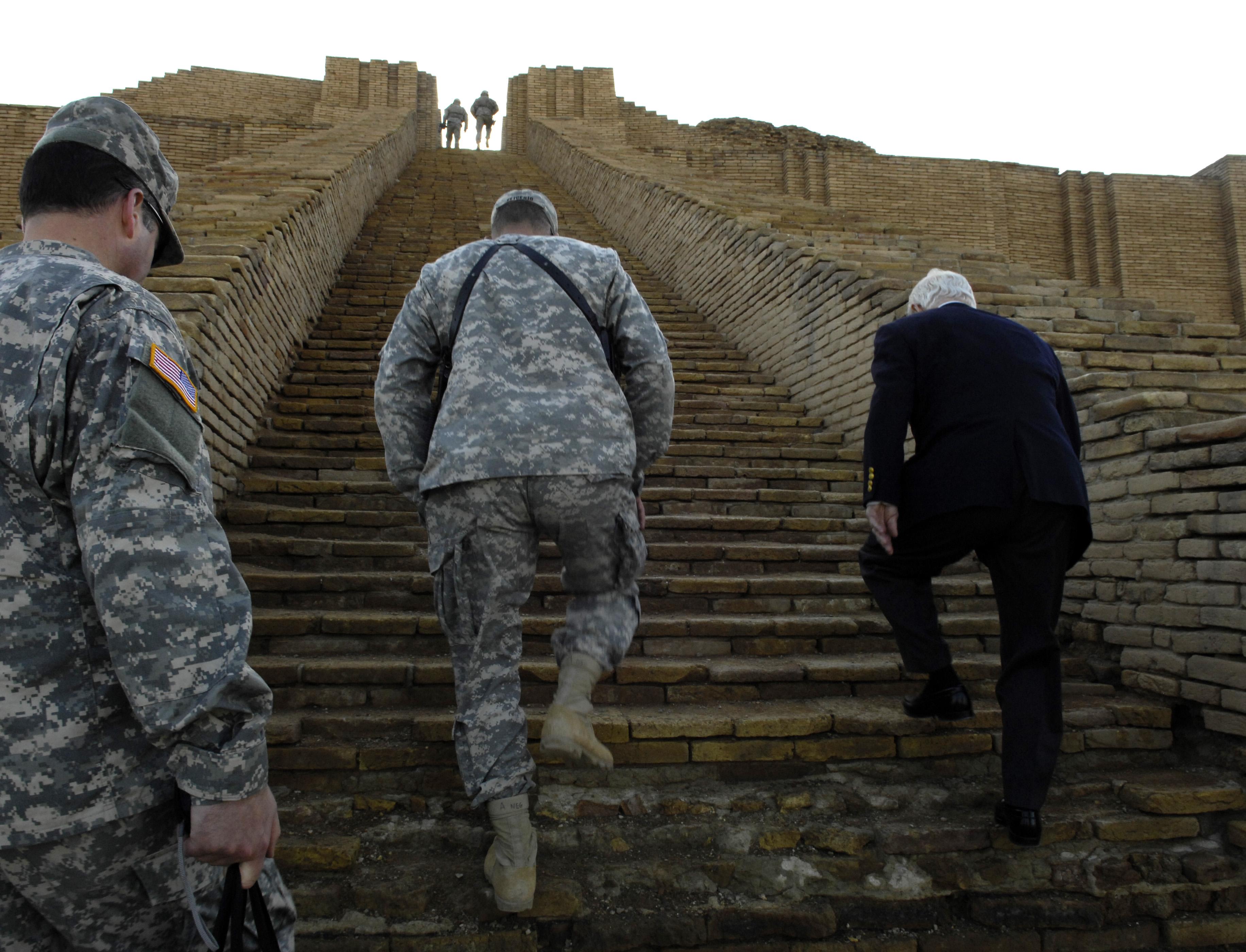 U S  Defense Secretary Robert Gates receives a tour of the