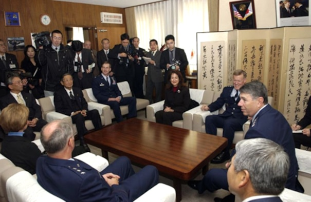 01/31/2007-- MISAWA CITY, Japan -- From left: Lt. Gen. Chip Utterback, 13th Air Force commander and his wife Sandy, Misawa City Vice Mayor Yoshida,  Misawa City Mayor Shigeyoshi Suzuki, Col. Terrence O'Shaughnessy, 35th Fighter Wing commander, Mrs. Kerri Wright, Lt. Gen. Bruce Wright, 5th Air Force and United States Forces Japan commander, and Gen. Paul Hester, Pacific Air Forces commander, gather at the mayor's office to share memories of their time serving as wing commanders at Misawa Air Base. (U.S. Air Force photo by Senior Airman Robert Barnett)