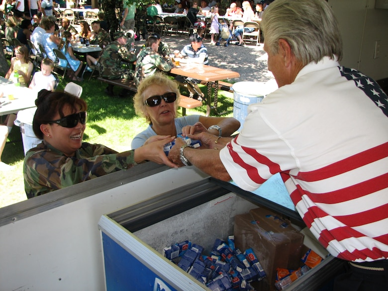 HILL AIR FORCE BASE, Utah -- A picnic wouldn't be quite complete without every course of the meal. Ice cream sandwiches and other desserts were offered to our Nation's defender's during the late afternoon Salute to our Nation's Defender's event. Temperatures hit the high nineties during the event. (U.S. Air Force photo by Capt. Sean Carter)