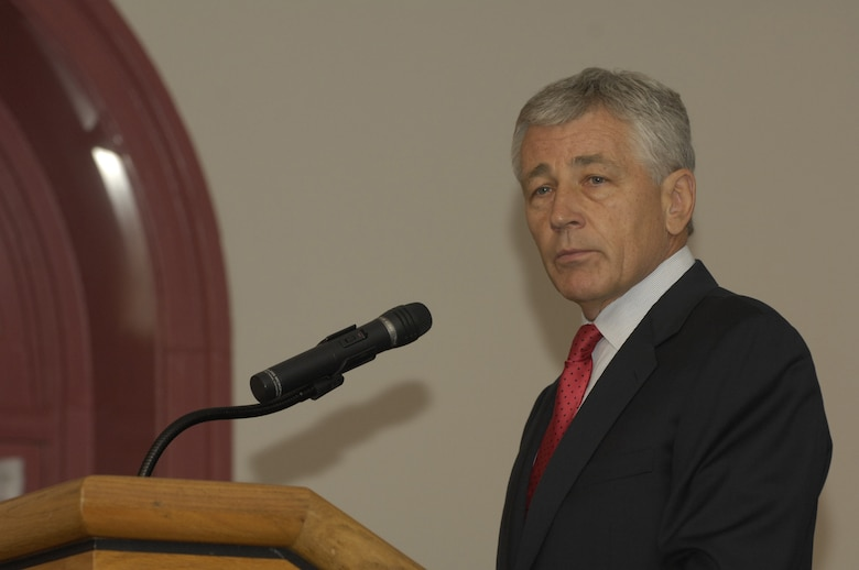 Sen. Chuck Hagel, R-Neb., speaks to a group of Airmen during a military heritage forum hosted by the Bolling Company Grade Officers Council in the Spaatz Room at the Bolling Clubs July 13. Senator Hagel spoke about his military service, which includes two Purple Hearts for wounds received during the Vietnam War, and also answered questions about current events. (U.S. Air Force photo by Senior Airman Rusti Caraker)