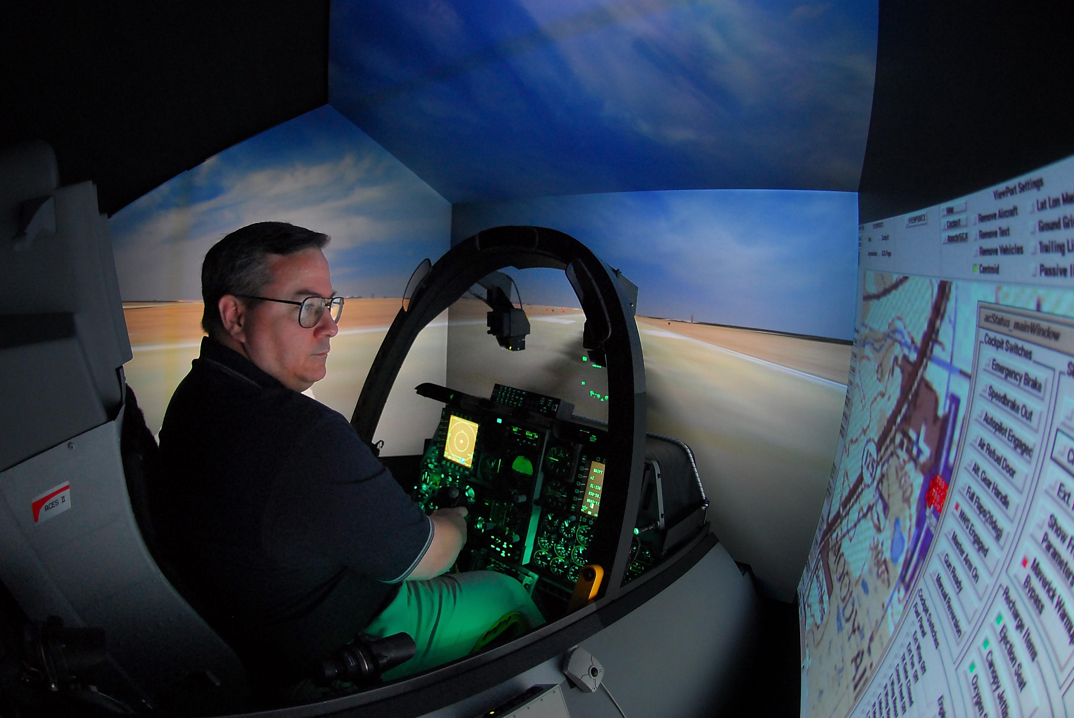 Virtual Hog' ready to put Moody's pilots under pressure > Moody Air