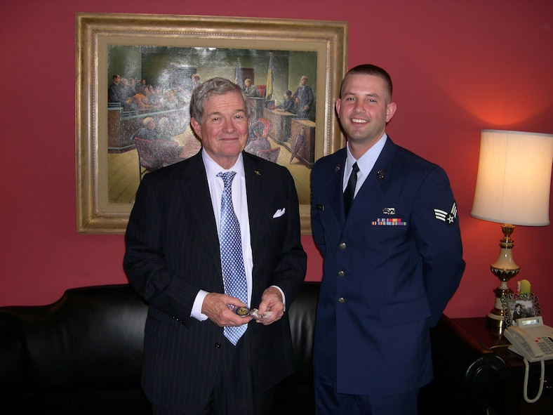 Senior Airman Zachery Teague meets with Senator Kit Bond during his trip to Washington D.C.