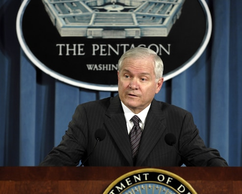 Secretary of Defense Robert M. Gates has released a statement to all servicemembers and their families about his commitment to give the very best this country can provide all injured troops.  (DOD photo/Cherie Thurlby)