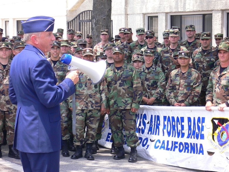 Lt. Gen. Michael Hamel, SMC Commander, pumps up the LAAFB marching unit prior to the start of the  2007Torrance Armed Forces Day Parade, May 19. Gen. Kevin Chilton, Air Force Space Command commander, served as the Grand Marshal for the parade. A Los Angeles AFB honor guard led the way as Los Angeles, Edwards, and Vandenberg Air Force Bases and March Air Reserve Base marched passed the crowds with a total of more than 300 airmen participating.