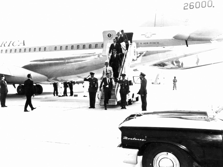 President John F. Kennedy disembarks Boeing VC-137C SAM 26000 (Air Force One). (U.S. Air Force photo)