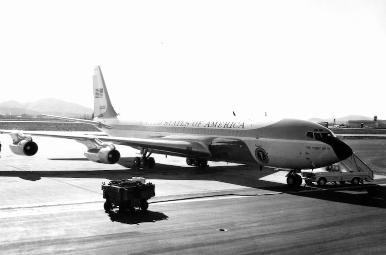 "Boeing VC-137C SAM 26000 (Air Force One) with ""The Spirit of 76"" painted on the nose. (U.S. Air Force photo)"