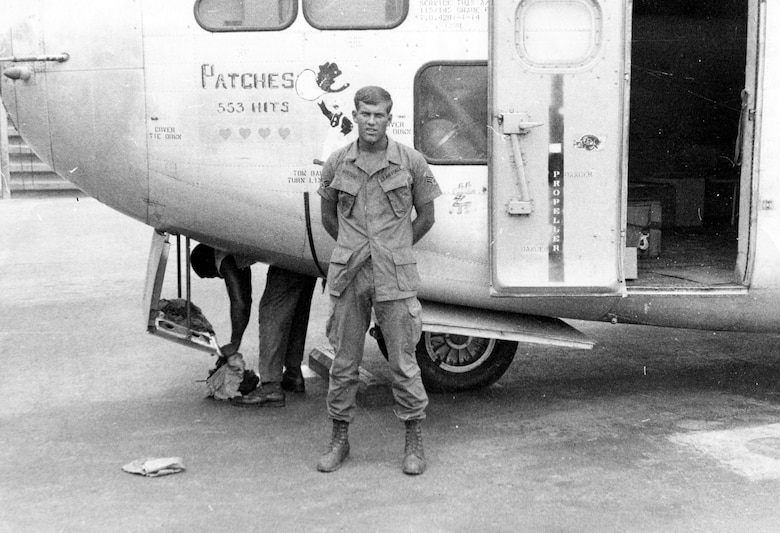 A1C Robert Norton, Patches' last crew chief in Southeast Asia, at Bien Hoa Air Base. Note that the number of hits is at 553 at this date. (U.S. Air Force photo)