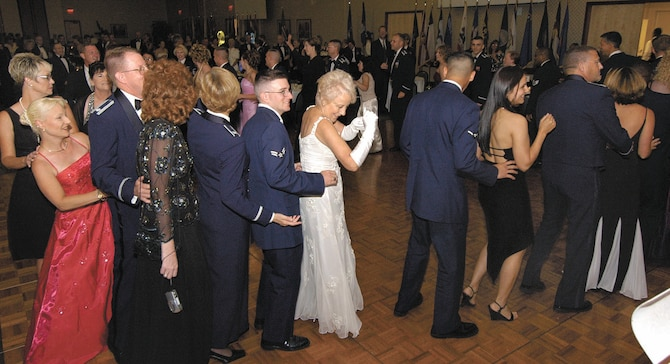 The Tinker Flying High Band pulled 2005 Air Force Ball attendees to their feet for dancing.  The band and dancing opportunities return for this year's celebration held Sept. 14 at the National Cowboy and Western Heritage Museum. (Air Force photo by Margo Wright)